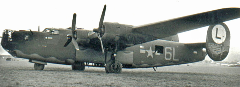 Consolidated B-24 H-15-FO mit offenem Bombenschacht. (141_2)