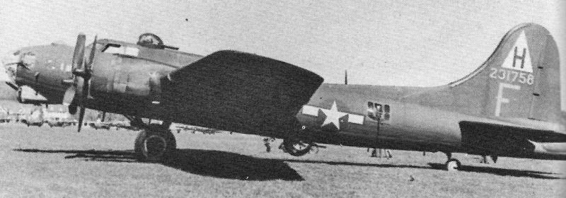 Capt John J. Stolz flog die schwer beschädigte B-17 in die Schweiz. (261_1)