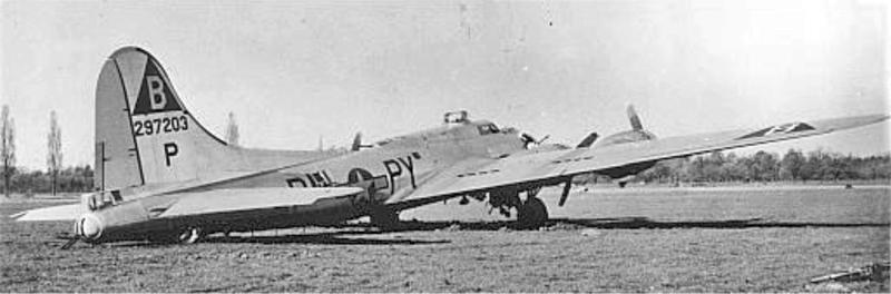 Der Copilot und der Bombenschütze flüchteten als Erste erfolgreich aus der Schweiz. (258_3)