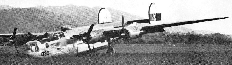 Da der Flugplatz Altenrhein für die Landung nicht ausreichte, zog es der Pilot vor, das Bugrad einzuziehen und den Rumpfbug als zusätzliche Bremse zu benützen. (155_1)