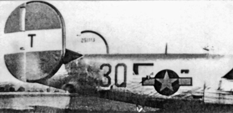 1st Lt Gordon W. MacDonald landete seine B-24 sicher in Payerne. (157_1)