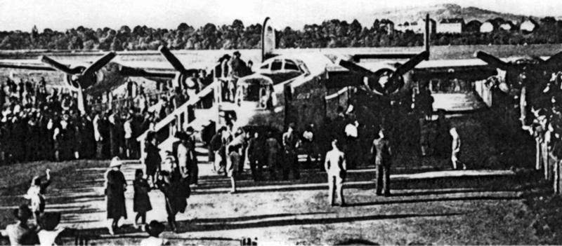Im September 1945 wurde die B-24 auf dem Sternenfeld einer interessierten Öffentlichkeit zugänglich gemacht. (159_3)