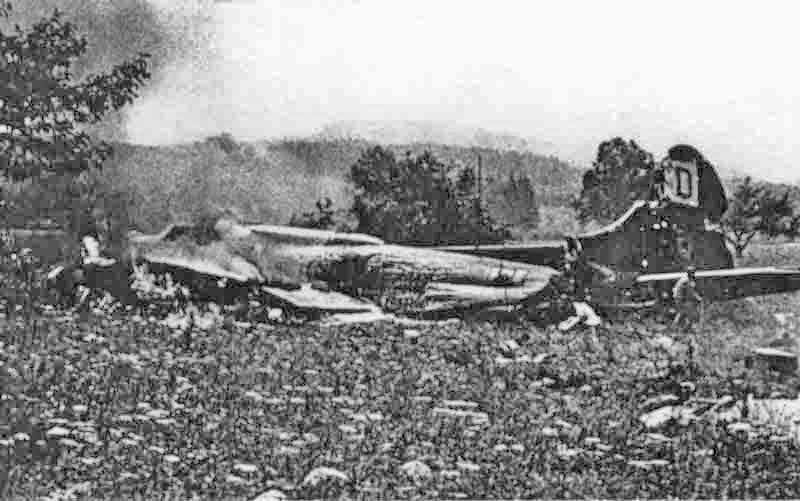 """""""CAHEPIT"""" wurde bei der Notlandung bei Emmen total beschädigt. (279_1)"""