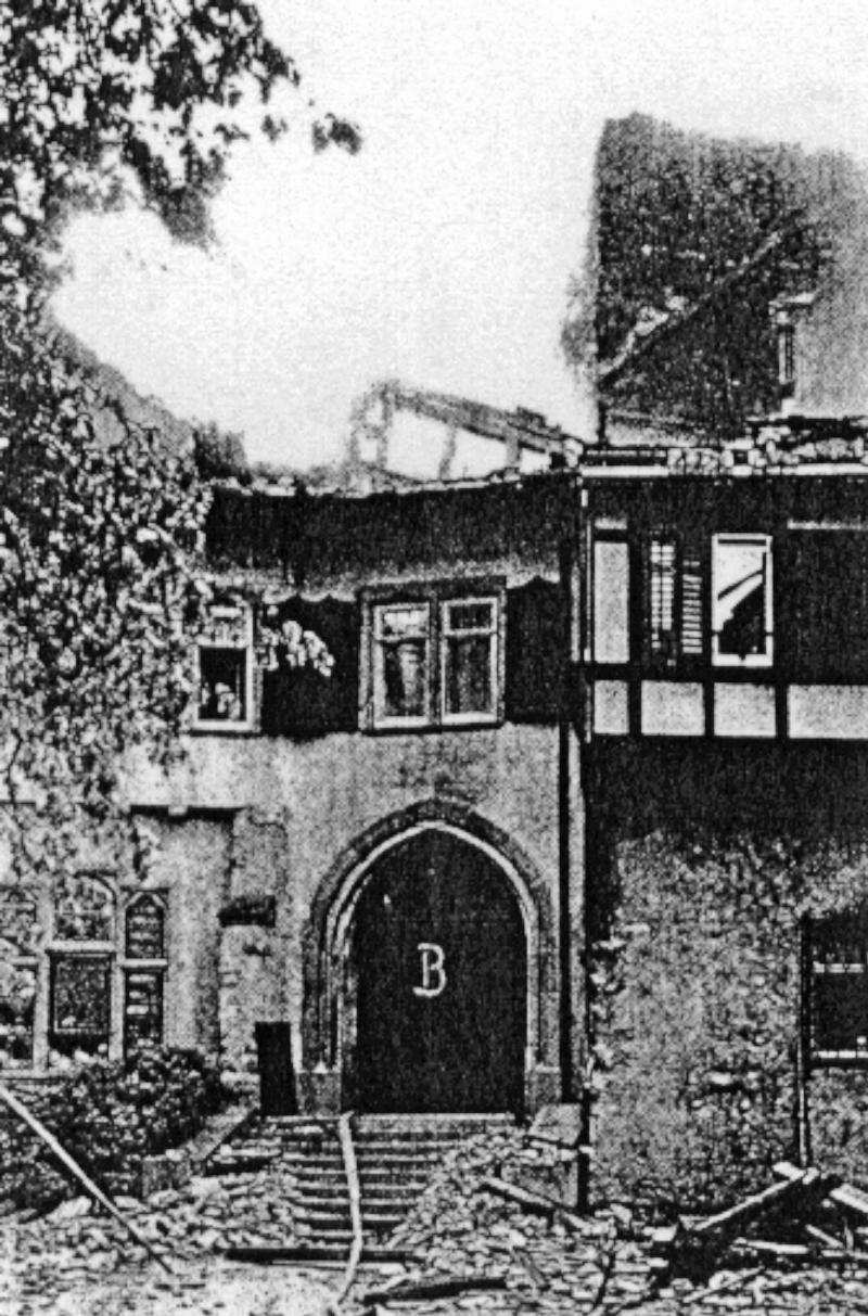Teilansicht des Haupteinganges von Schloss Wyden. (163_2)