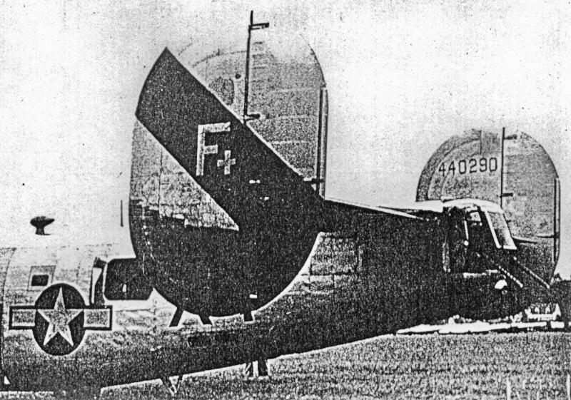 Probleme mit Motor 2 und 3 zwangen die B-24 zur Landung in der Schweiz. (172_2)
