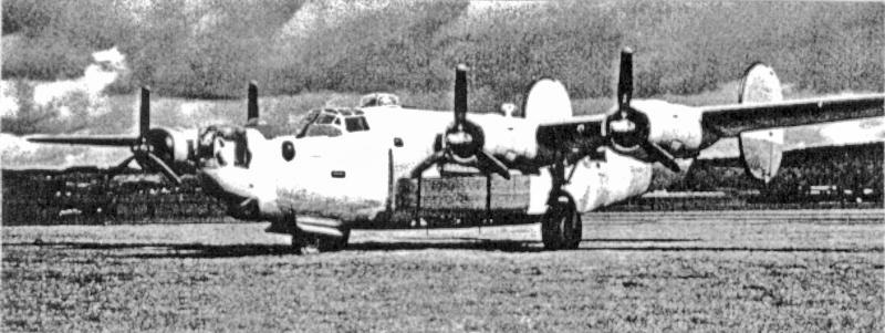 Scott`s Maschine mit einem neuen Motor 1 für den Rückflug nach Burtonwood vorbereitet. (174_1)