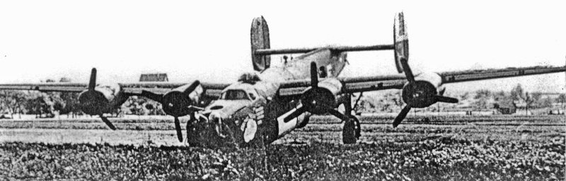 """""""Brown Nose"""" war bereits schwer beschädigt als sie zur Landung ansetzte und hatte zwei Verwundete an Bord. (184_1)"""