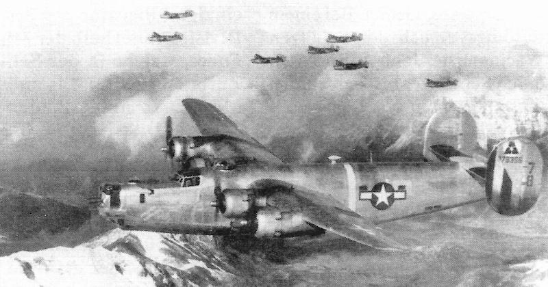"""Die """"Maiden America"""" auf einem Einsatz kurz bevor sie in der Schweiz abgeschossen wurde. (186_2)"""