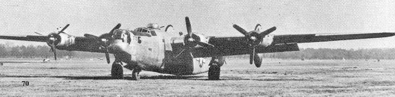 Die schwer beschädigte Maschine von 1st Lt Grooms auf dem Flugplatz von Altenrhein. (189_5)