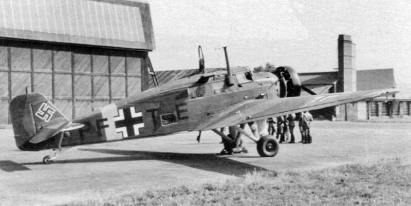 Die Junkers W34-hi mit dem Kennzeichen PF+TE am 25. Juli vor dem Rückflug nach Deutschland. (39_1)