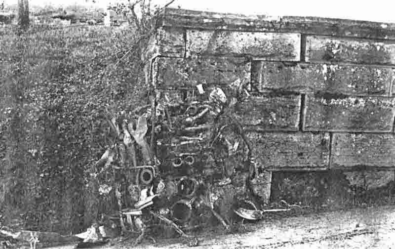 Ein Motorblock des BMW 801 wurde etwa 30 Meter vom Absturzort entfernt aufgefunden. (358_1)