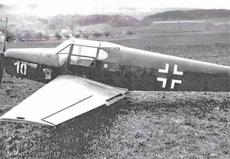 Mit dieser Bücker flüchtete ein deutscher Unteroffizier bei Kriegsende in die Schweiz. Nach der am 12. April 1945 bei Bürglen erfolgten L<script type=
