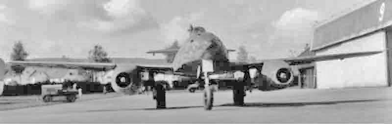 Die Me 262 vor 1957 in Dübendorf. (431_1)