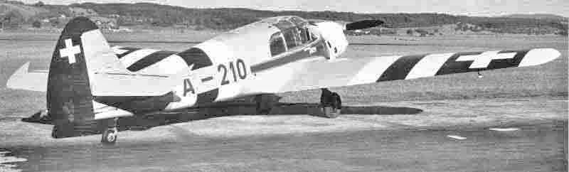 Die beiden Bf 108 wurden von der Schweizer Armee als A-217 und A-218 weiter betrieben. Die A-210, die aus einem Los von 18 regulär gekauften Exemplaren stammt, ist heute im Verkehrshaus Luzern ausgestellt. (422_3)