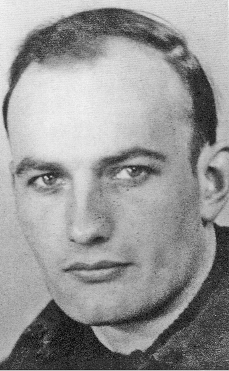 F / Sgt Reginald Fidler. Er war Navigator bei S / Ldr Henry Morley auf der PZ440. (64_1)