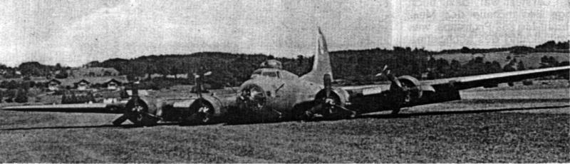 """Die """"High Life"""" nach ihrer spektakulären Landung am 17. August 1943 um 12.48 Uhr in Dübendorf. (208_1)"""