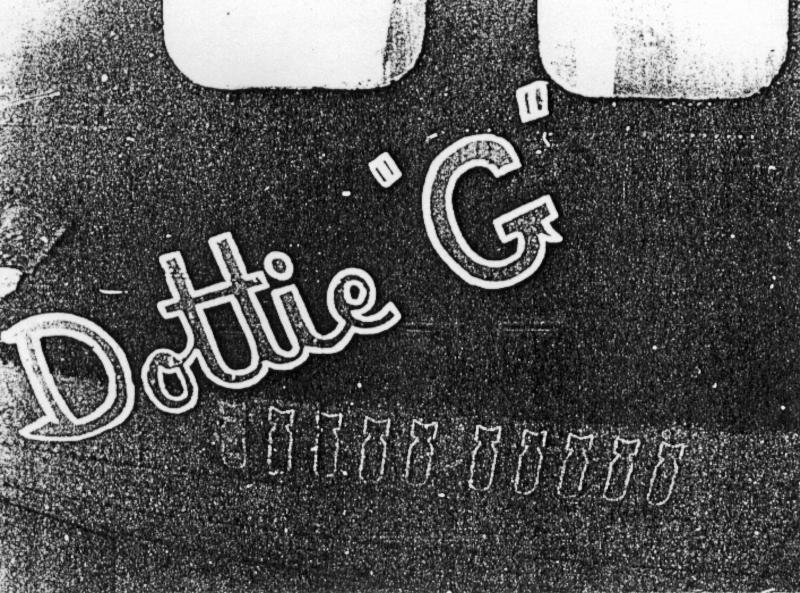 """Wie unter dem Namen ersichtlich ist, war """"Dottie G"""" auf ihrem elften Einsatz. (234_3)"""
