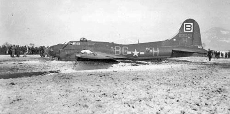 Die B-17 war für die Leute von Oberriet-Kriessern eine grosse Attraktion. (238_2)