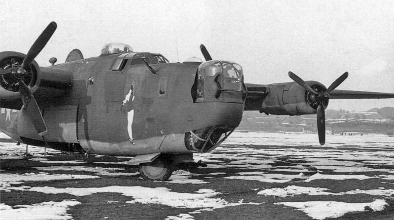 """Die """"Shoo Shoo Baby"""" landete am 18. März 1944 zusammen mit acht anderen Liberator. (136_2)"""