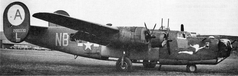 Die B-24 J-90-CO in Dübendorf. Das Cockpit war zusätzlich mit Panzerglas geschützt. (141_1)