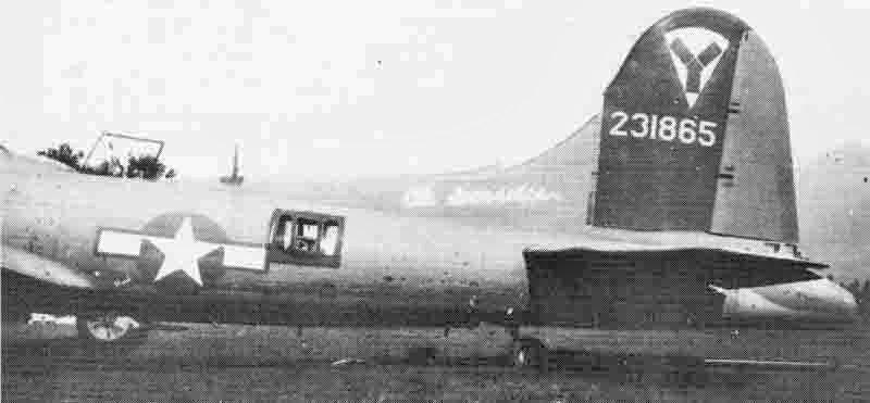 """Beim Überflug nach Dübendorf wurde die """"Ole Ironsides"""" beinahe von der eigenen Flab abgeschossen. (271_2)"""