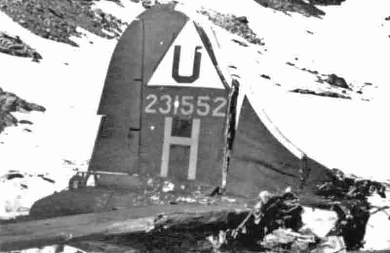 Die Trümmer der abgestürzten 552. (274_1)