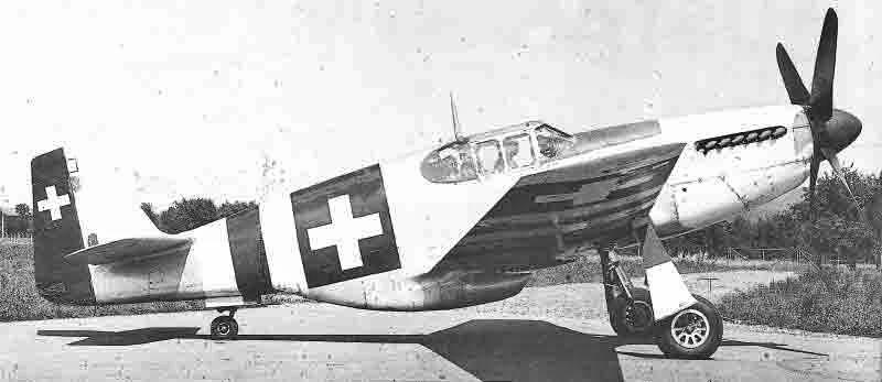 Die P-51 während der Testflüge in Emmen. (372_2)