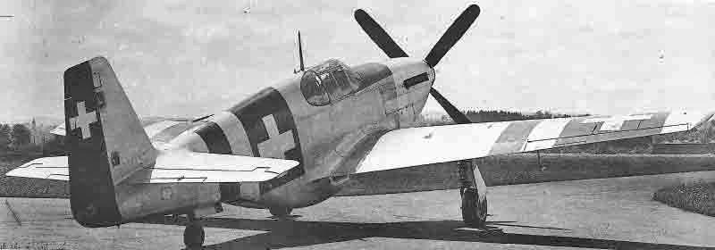 In Emmen wurde der im linken Flügel eingebaute Scheinwerfer durch eine Mess-Sonde ersetzt. (372_3)