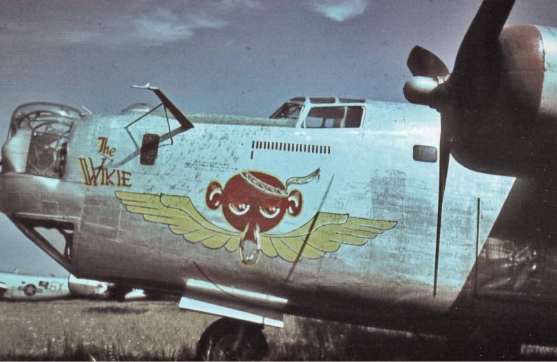 """Die einzige Maschine der 15th Air Force, die an diesem Tag landete war """"The Wikie"""". (168_2)"""