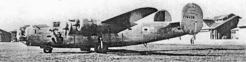 Die Maschine von Harry Schultz in Dübendorf. Die Hoheitszeichen wurden für einen Demonstrationsflug für General Legge am 8. August entfernt. (178_1)