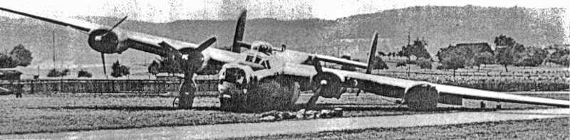 Rumpf, Flügel und Motor 1 waren nach der Landung total zerstört. (180_1)