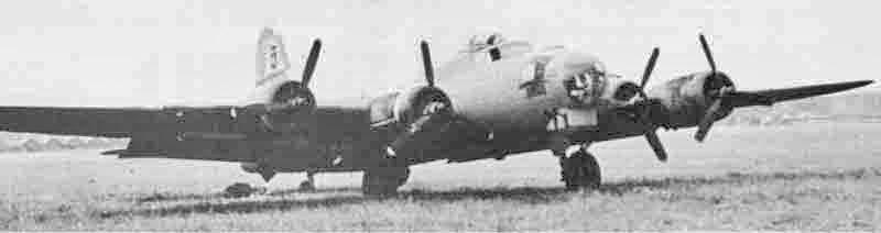 Die Maschine von Warren D. Stallings hatte ein knallrotes Rumpfband. (297_2)