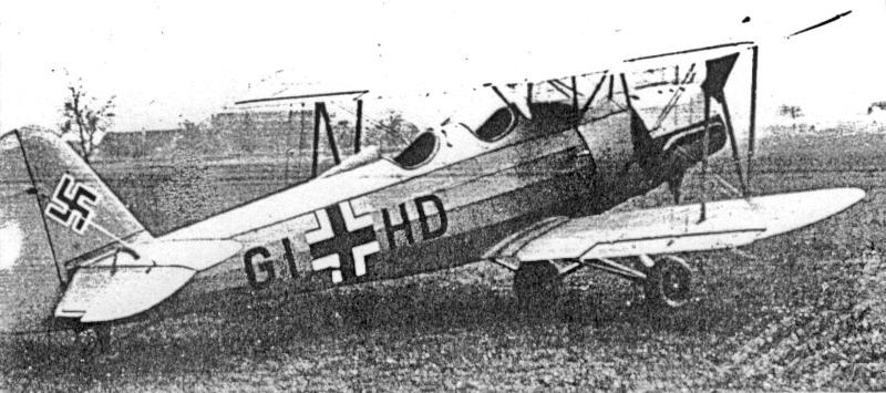 Unteroffizier Kröner landete mit seiner Go-145 auf dem Artilleriewaffenplatz Biere. (33_2)