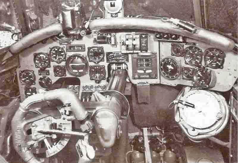 Blick ins Cockpit der Do 217N. (361_1)