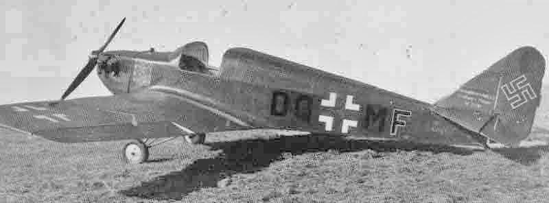 Ein wenig bekanntes Schul- und Übungsflugzeug italienischer Herkunft. (385_1)
