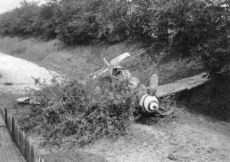 Beide Me-109 dienten der Schweizer Flugwaffe als Ersatzteilspender. (52_1)