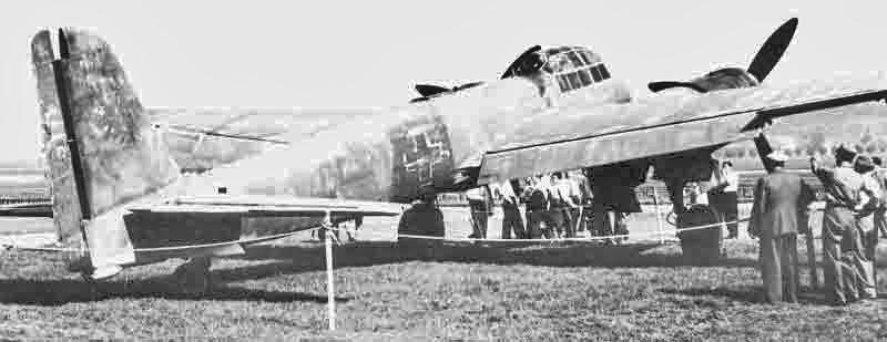 Die verwitterte Ju 88 kurz vor ihrer Verschrottung. (337_2)